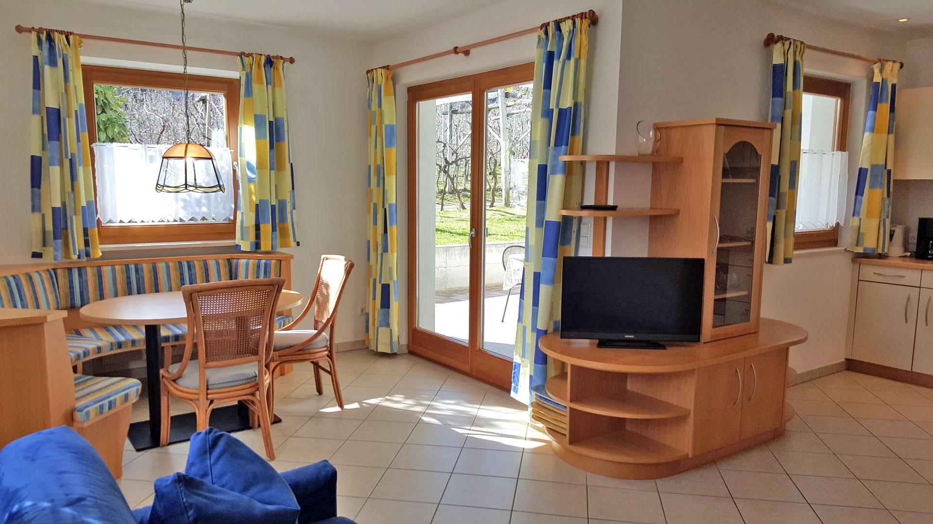 schrenteweinhof landhaus schrentewein wohnen im landhaus. Black Bedroom Furniture Sets. Home Design Ideas